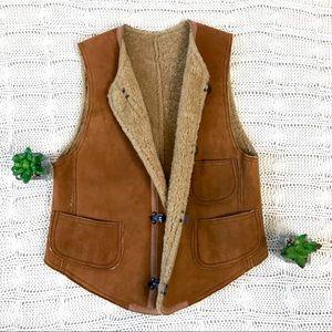 {Ralph Lauren} Suede Shearling Lined Vest Clips